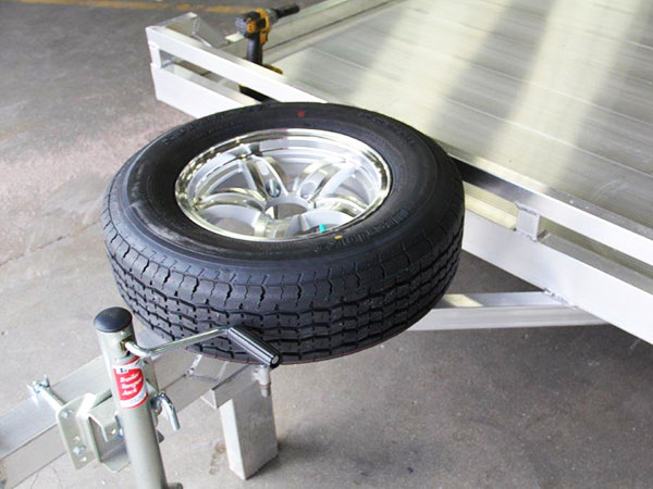 Spare Wheels Tires Amp Tire Mounts Aluma Trailers